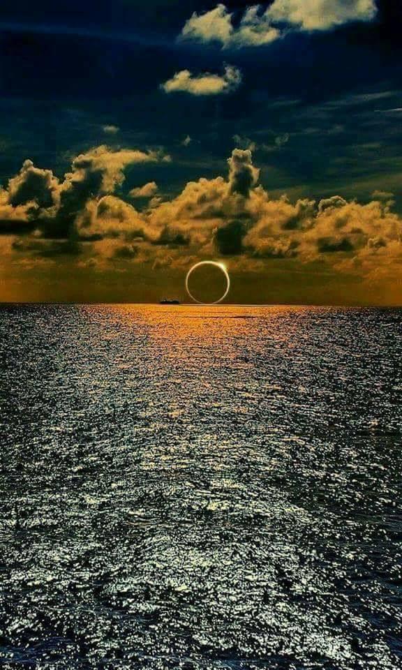 eclipse_sea